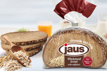 Sliced wholemeal bread topped with oatflakes